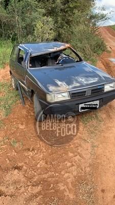 Veículo capota na estrada do Porto dos Mendes