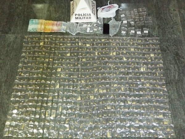 Três traficantes são presos e grande quantidade de drogas apreendidas pela Polícia Militar