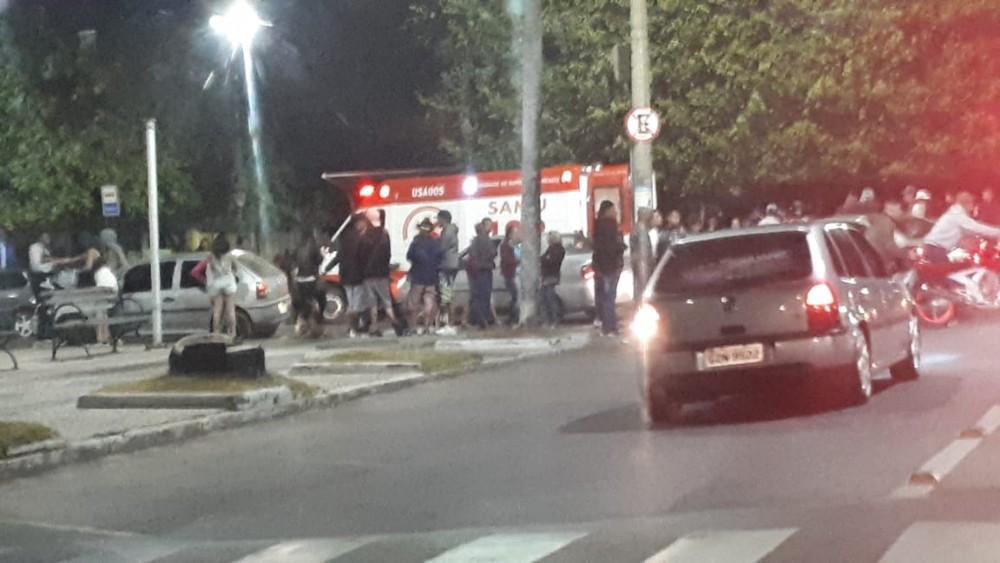 Grave acidente na Praça Central de Campo Belo deixa duas pessoas feridas
