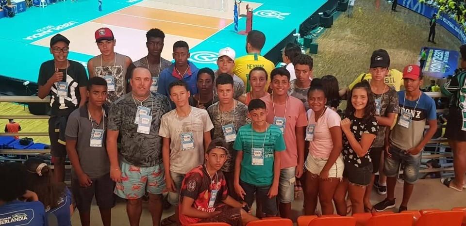 """Equipes de Natação e Atletismo do """"Esporte Para Todos"""" brilham na Fase final do JEMG em Uberlândia"""