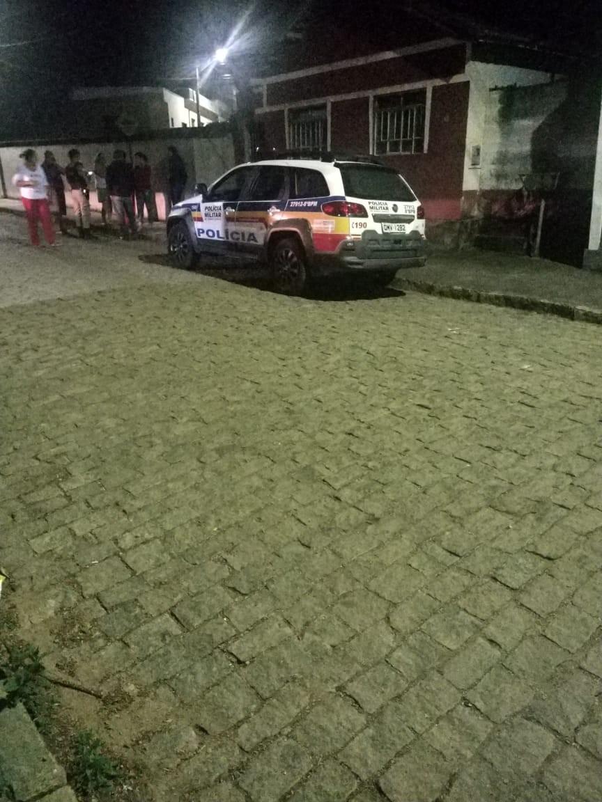 Jovem de 22 anos é morto dentro de casa em Candeias