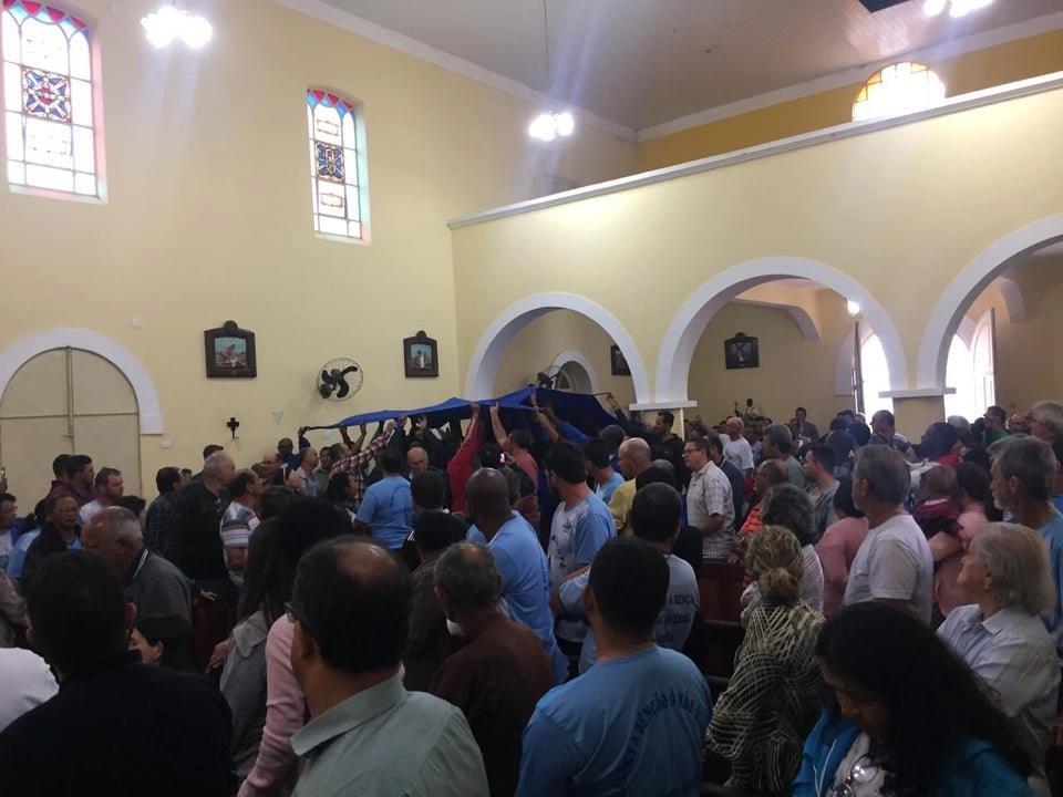 Prefeito participa de missa de ação de graças com romeiros em Olímpio Noronha