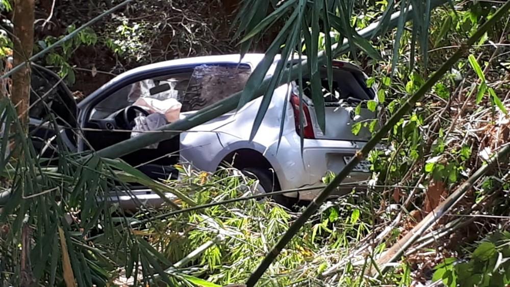 Acidente na BR-369, entre Campo Belo e Santana do Jacaré deixa duas pessoas feridas