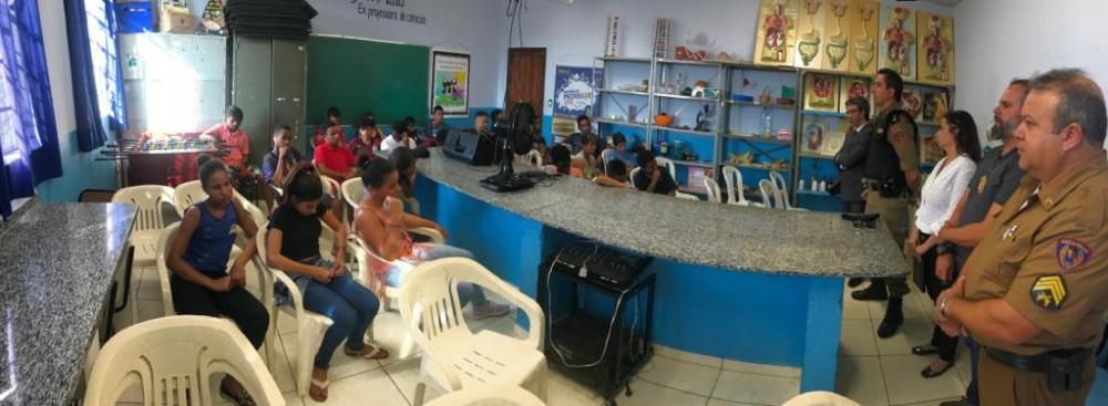 Reunião para discutir mudanças de comportamentos estudantis é realizada pelas Polícias Militar e Civil de Campo Belo