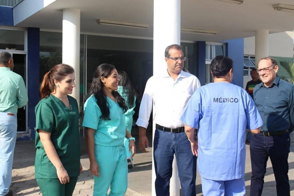 Novos uniformes são entregue aos profissionais da UPA pela Prefeitura de Campo Belo