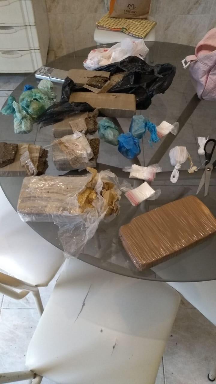 Traficantes são surpreendidos e presos com grande quantidade de drogas durante Operação Policial