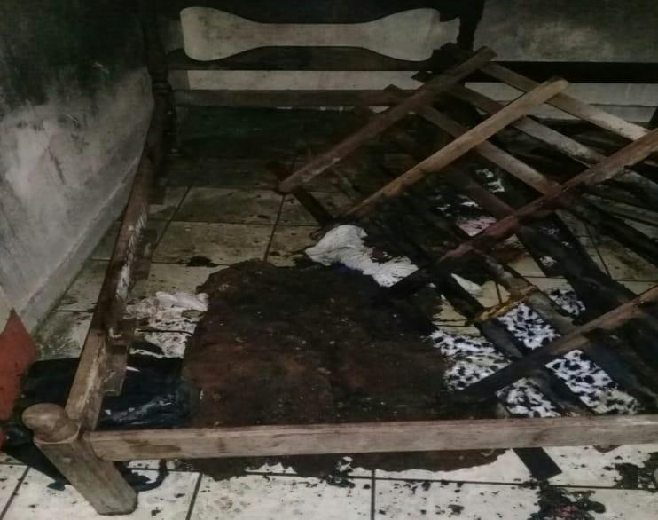 Pará de Minas - Idosos têm 80% do corpo queimado em incêndio