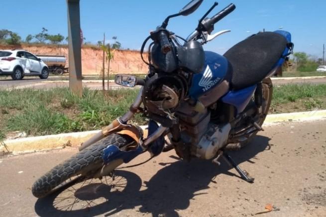 Acidente entre carro e moto é registrado na BR-354