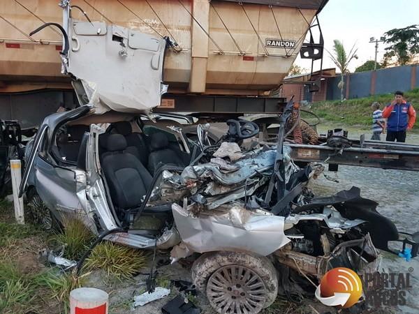 Duas pessoas morreram em um grave acidente na BR-354
