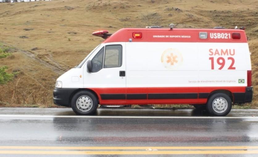 Duas pessoas ficaram feridas em um acidente na BR-354, em Campo Belo/MG