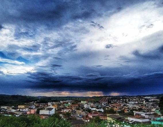Click do Dia: Linda foto tirada do bairro Vale do Sol em Campo Belo/MG
