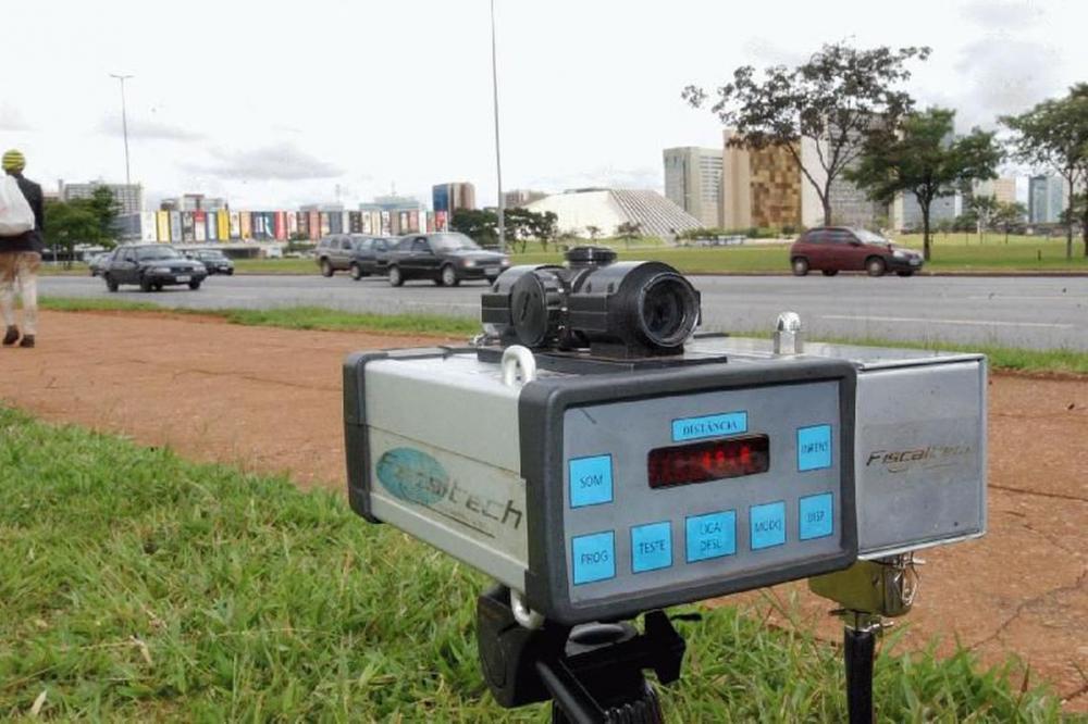 Justiça determina que PRF volte a usar radares móveis em rodovias, AGU vai recorrer