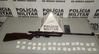 Campo Belo - Jovem é preso com cocaína e arma de fogo no bairro Jardim Aeroporto, veja!